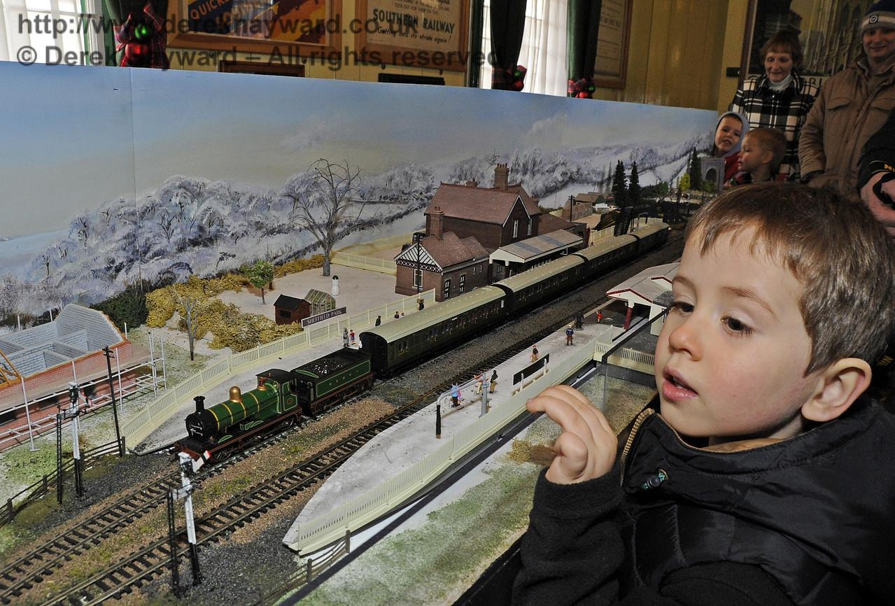 Bluebell Railway Santa Celebrations at Horsted Keynes. 08.12.2012  5900