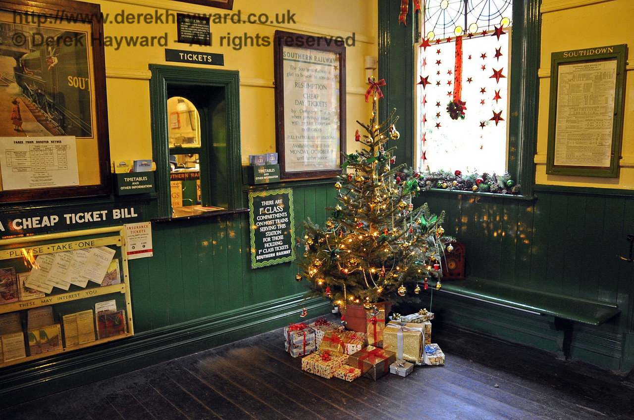 Bluebell Railway Santa Celebrations at Horsted Keynes. 08.12.2012  5980