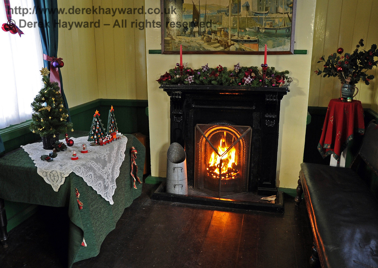 Bluebell Railway Santa Celebrations at Horsted Keynes. 08.12.2012  5977