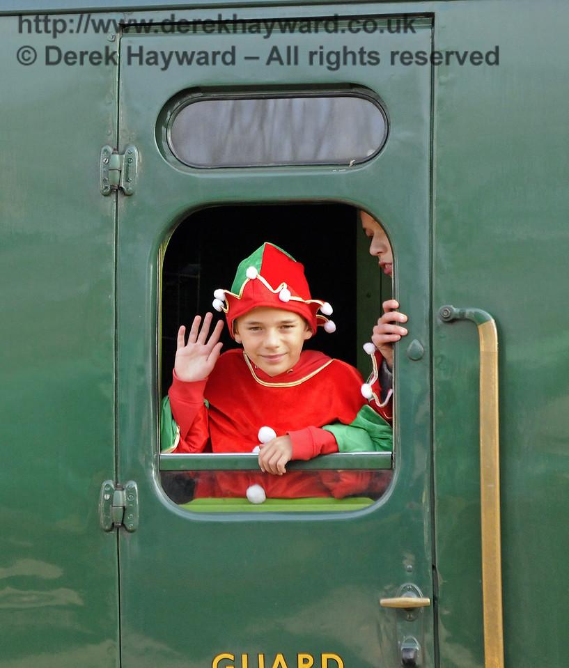 Bluebell Railway Santa Celebrations at Horsted Keynes. 08.12.2012  8398