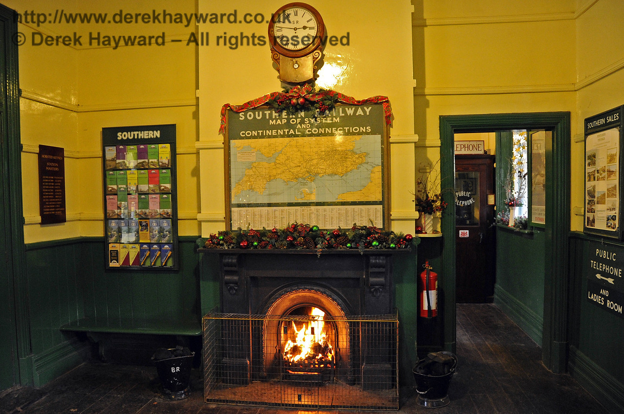 Bluebell Railway Santa Celebrations at Horsted Keynes. 08.12.2012  5981