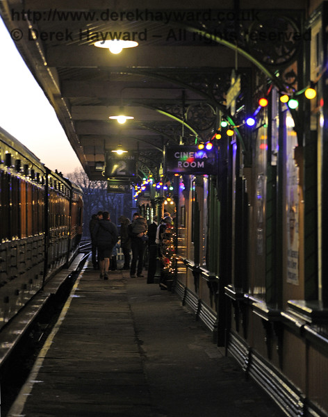 Christmas at the Bluebell Railway.  Horsted Keynes  13.12.2014  10225