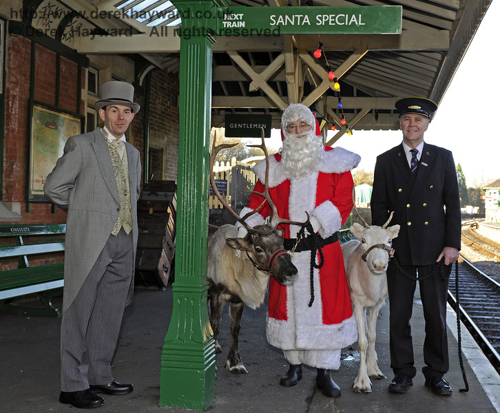 Christmas at the Bluebell Railway.  Kingscote 13.12.2014  10168
