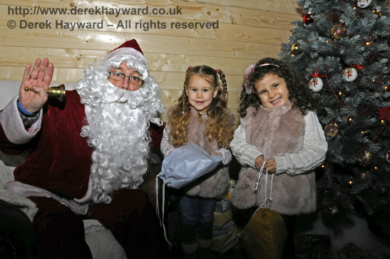 Christmas at the Bluebell Railway.  Horsted Keynes 13.12.2014  11822
