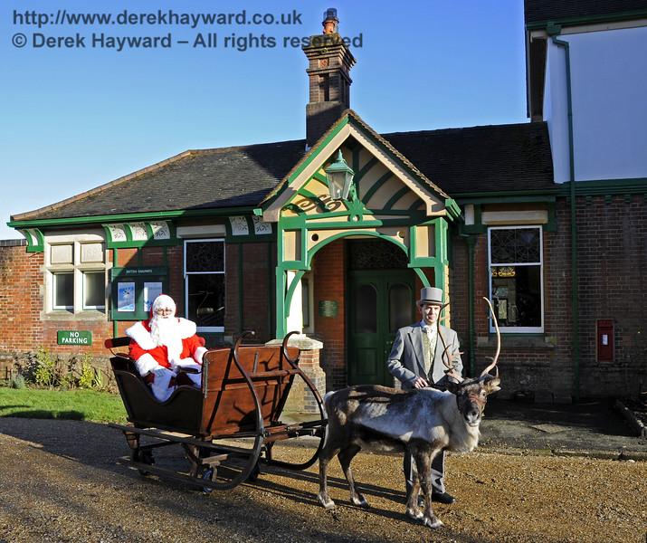 Christmas at the Bluebell Railway.  Kingscote 13.12.2014  11735