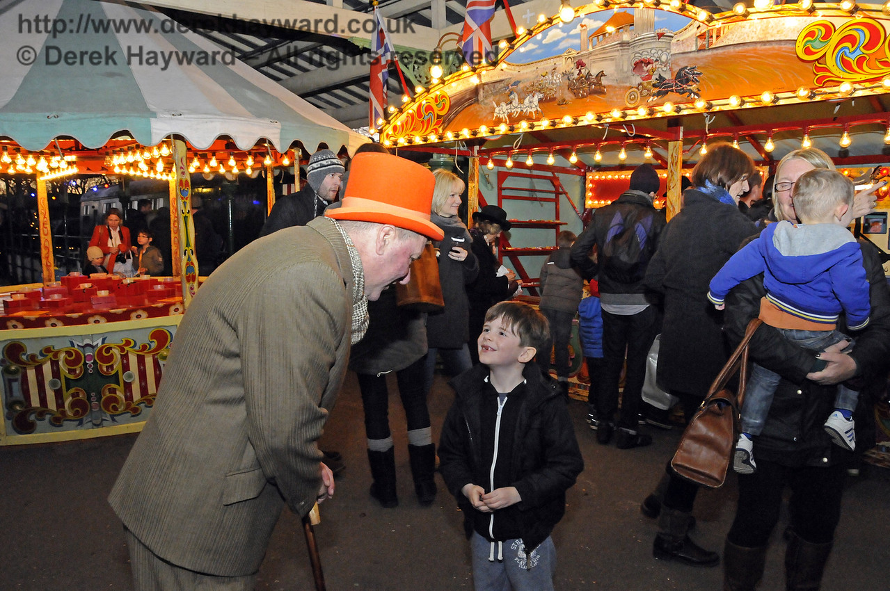 Christmas at the Bluebell Railway.  Horsted Keynes 13.12.2014  11830