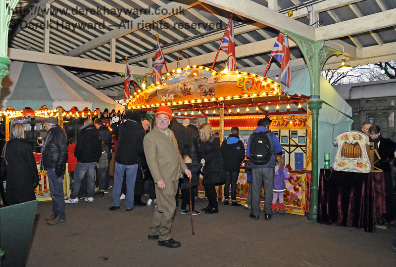 Christmas at the Bluebell Railway.  Horsted Keynes 13.12.2014  11824