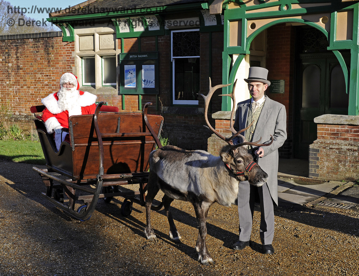 Christmas at the Bluebell Railway.  Kingscote 13.12.2014 10112