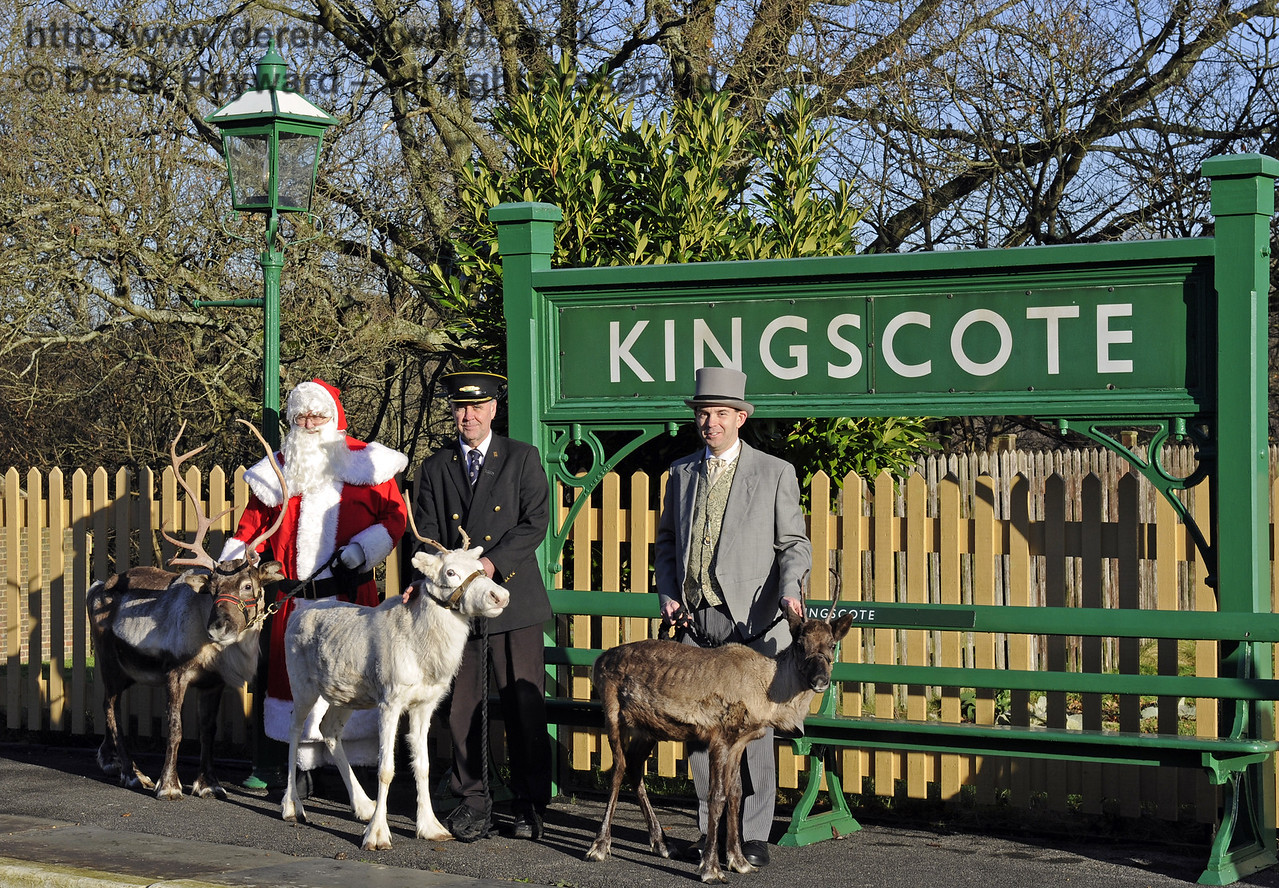 Christmas at the Bluebell Railway.  Kingscote 13.12.2014  10148