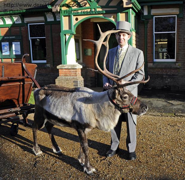Christmas at the Bluebell Railway.  Kingscote 13.12.2014  10123