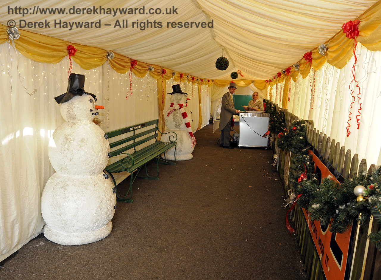 Christmas at the Bluebell Railway.   East Grinstead 13.12.2014  11769