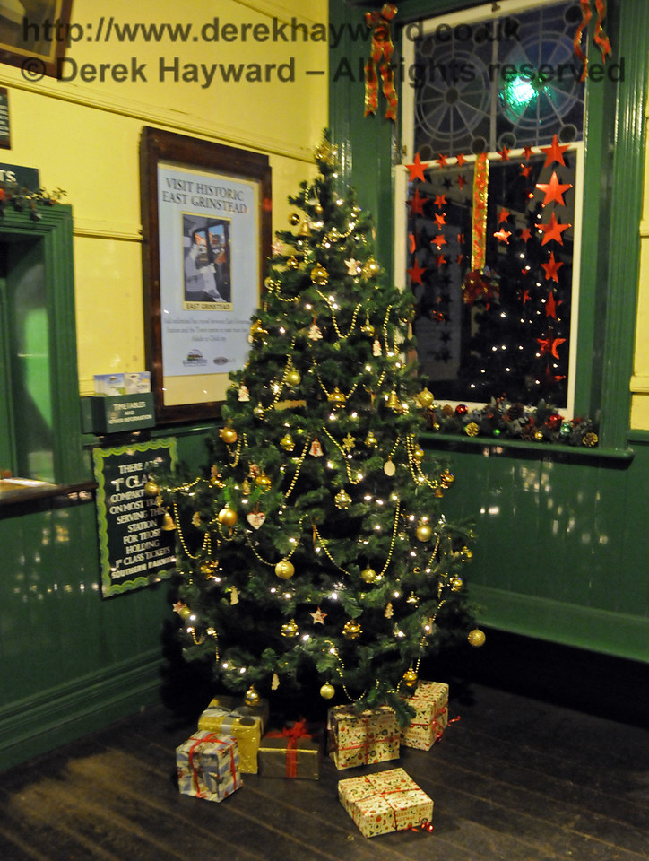 Christmas at the Bluebell Railway.  Horsted Keynes 13.12.2014  11838