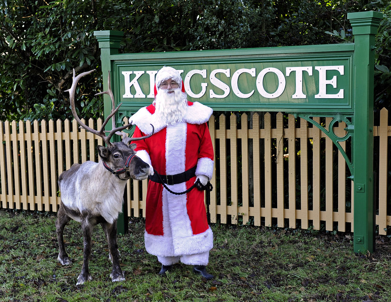 Christmas at the Bluebell Railway.  Kingscote 13.12.2014  10177