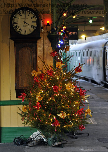 Christmas at the Bluebell Railway.  Horsted Keynes 13.12.2014  10220