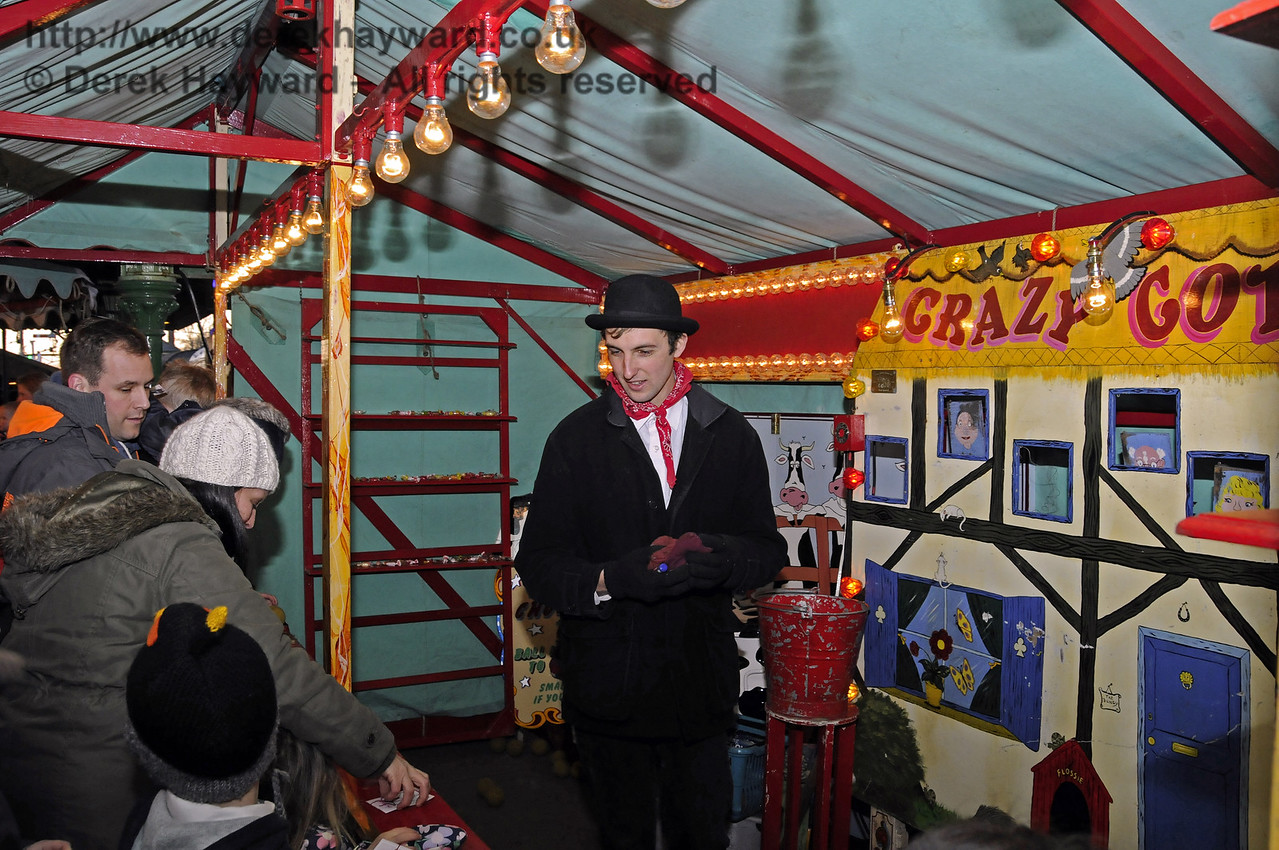 Christmas at the Bluebell Railway.  Horsted Keynes 13.12.2014  11817