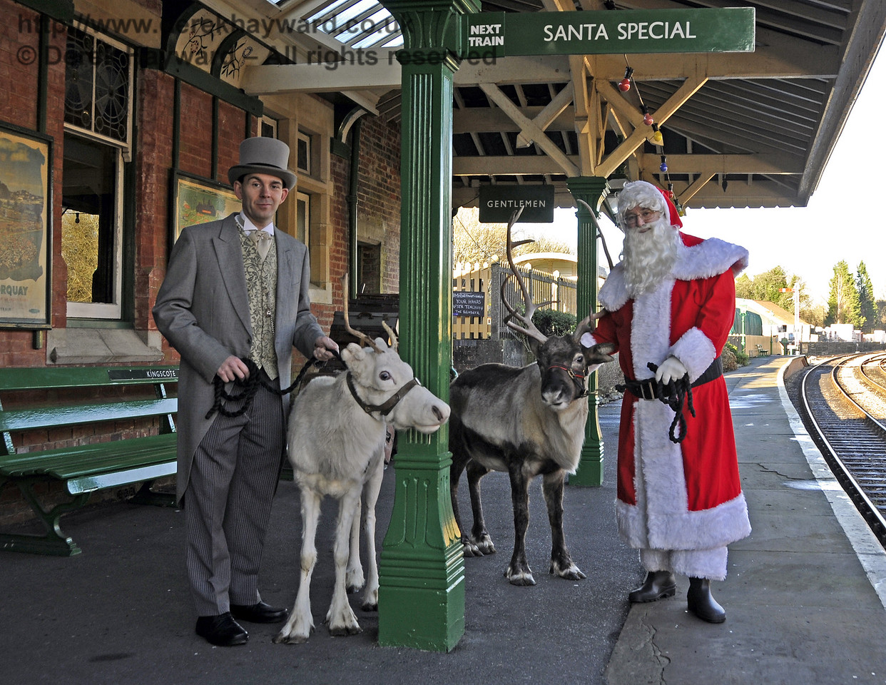 Christmas at the Bluebell Railway.  Kingscote 13.12.2014  11744