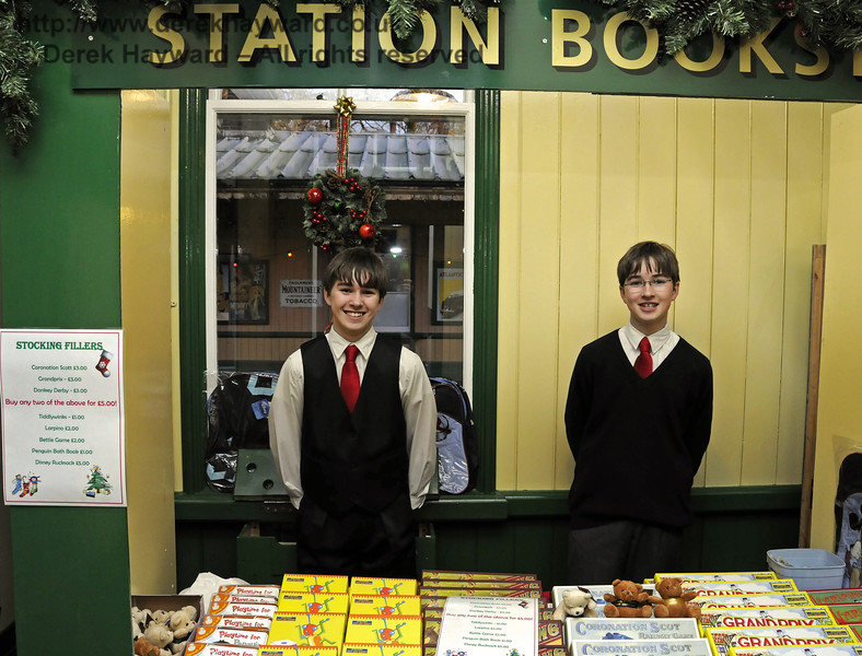 Christmas at the Bluebell Railway.  Horsted Keynes  20.12.2014  11877