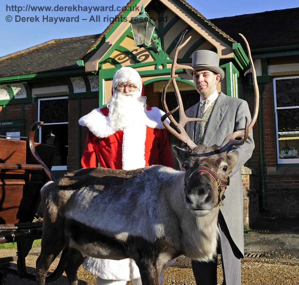Christmas at the Bluebell Railway.  Kingscote 13.12.2014  10128