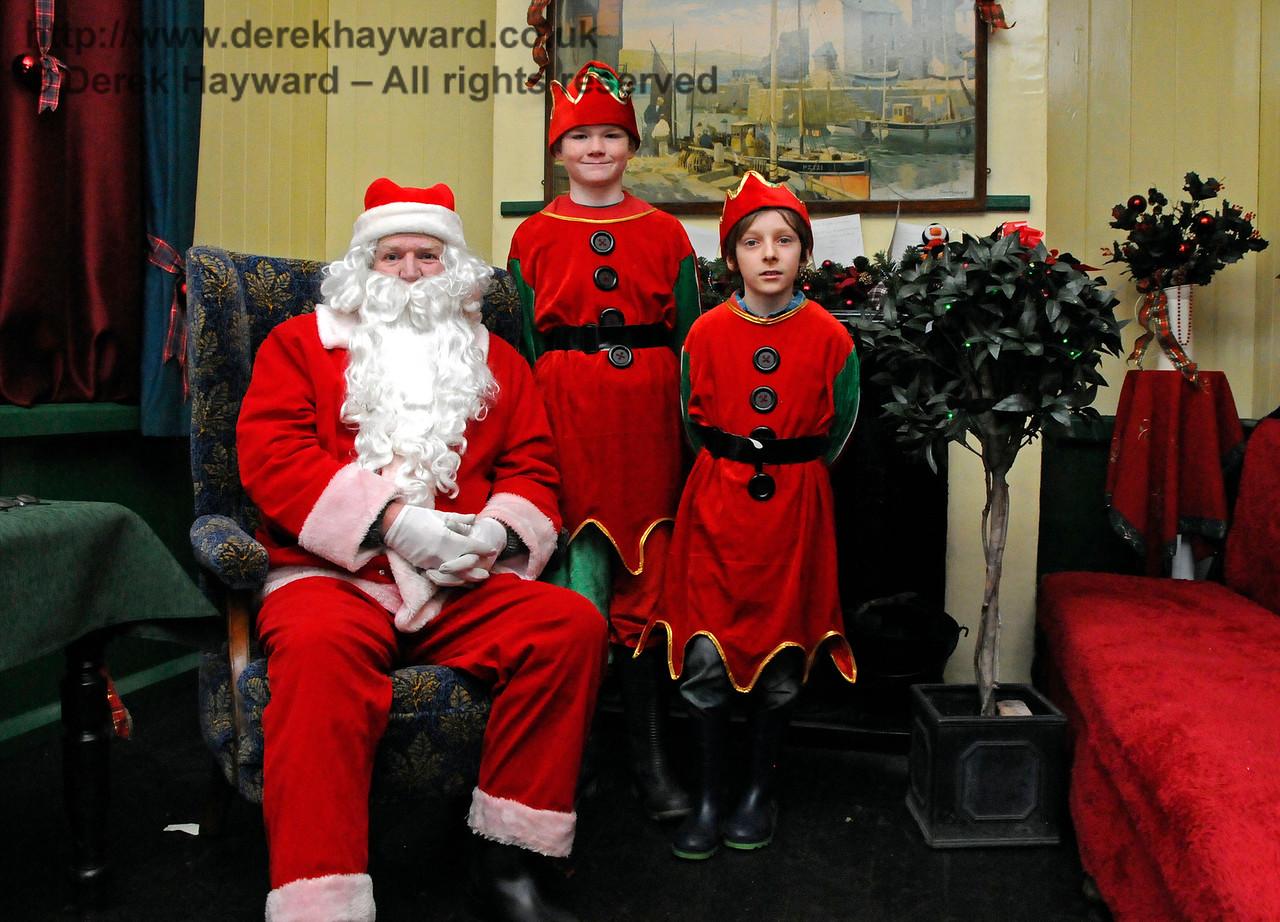 Santa HK 181216 16896 E