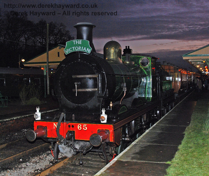 65 awaits departure from Horsted Keynes with the Victorian Christmas train. 20.12.2008