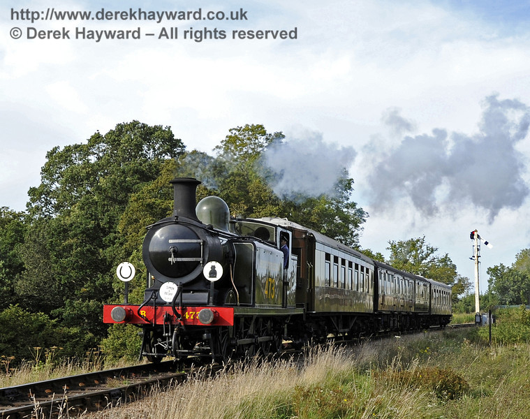 B473 passes over New Road Bridge with a Wedding Special for Simon Blaker & Becky Dallimore .  15.09.2012  5754