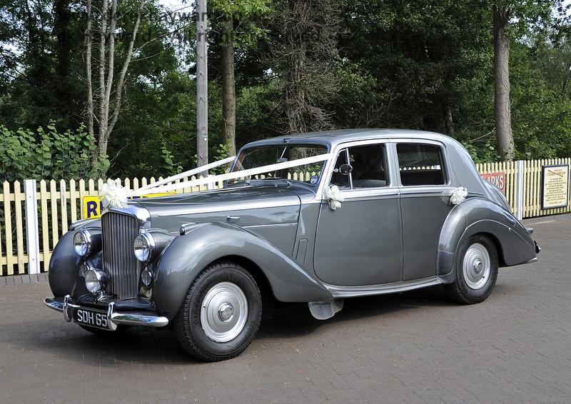 The wedding car.  Sheffield Park 15.09.2012  5687