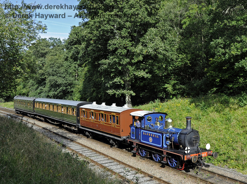 323 Bluebell approaches Leamland Bridge with a southbound service train.  15.09.2012  5723