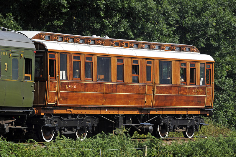The GN Directors Saloon, just out of the paintshop following cosmetic repairs, and pictured north of Poleay Bridge.  26.08.2013  7978