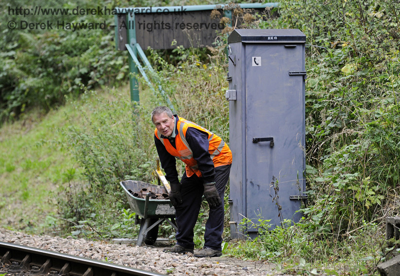 You would look like this if you had just pushed a barrow load of keys all the way from Horsted Keynes to Horsted House Farm Bridge!  22.09.2013  8079