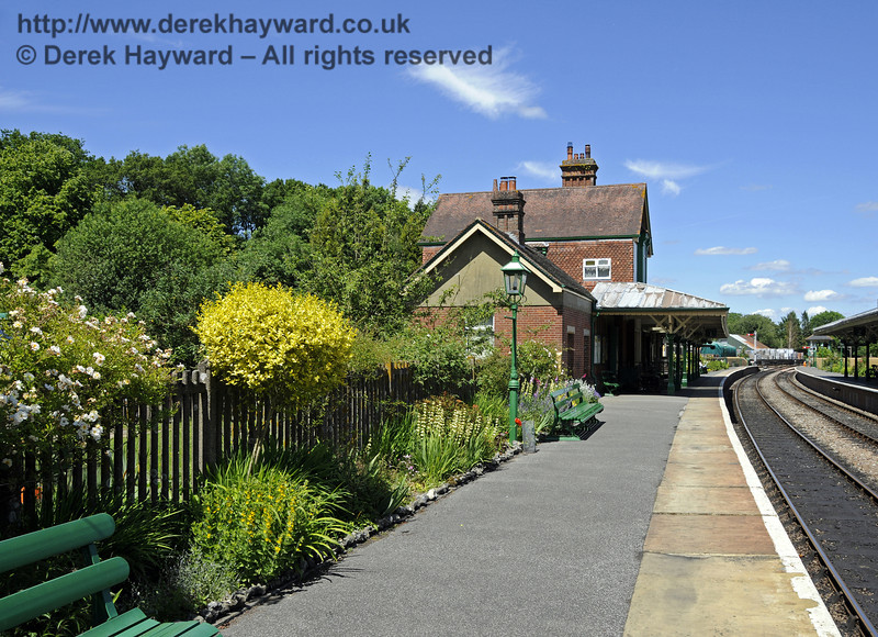 A quiet country station; Kingscote in June.  08.06.2014  10632