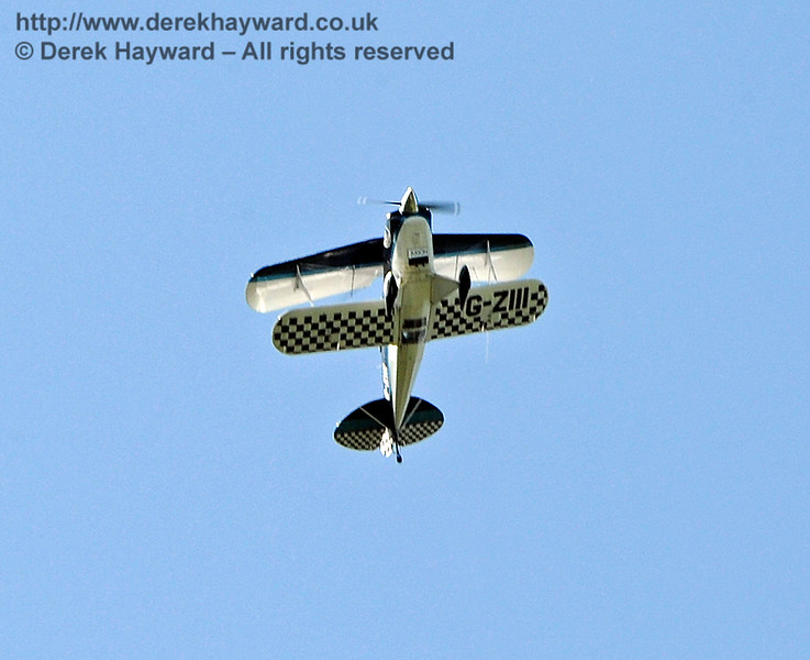 A quite spectacular ten minute biplane display at Horsted Keynes by the Wildcat Aerobatics Formation Display Team.   22.08.2015   11938