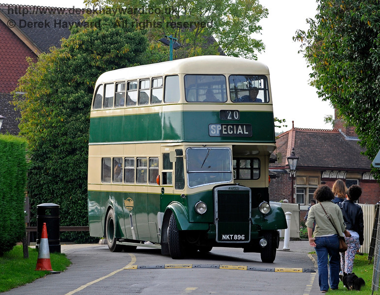 Bus Running Day. Sheffield Park 04.10.2015   12112
