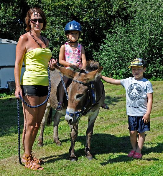 Donkey rides HK 060816 15919 E