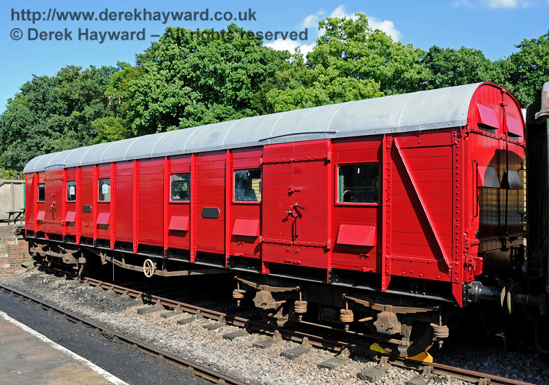 The Elephant Van at Horsted Keynes.  06.08.2016  15932