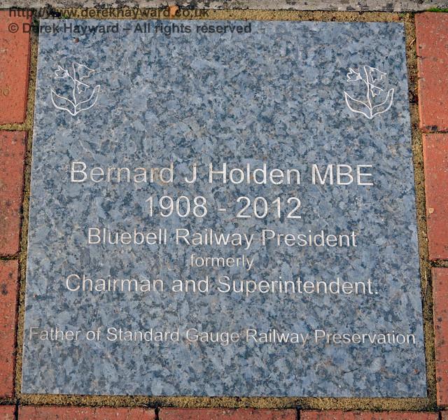 The memorial to Bernard Holden in the garden at Horsted Keynes.   16.10.2016  16512