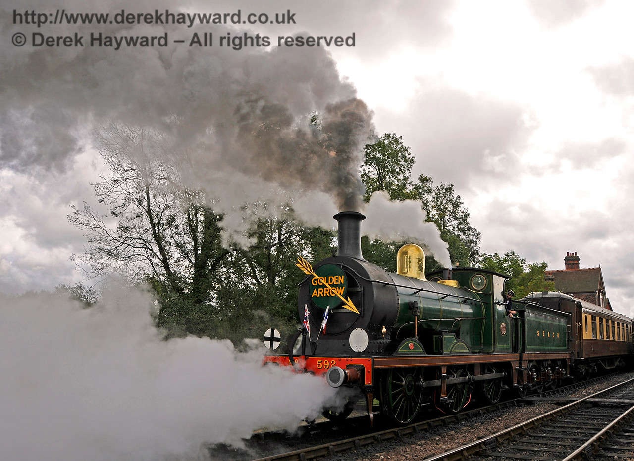592 departing Sheffield Park with the Golden Arrow.  16.10.2016  16458