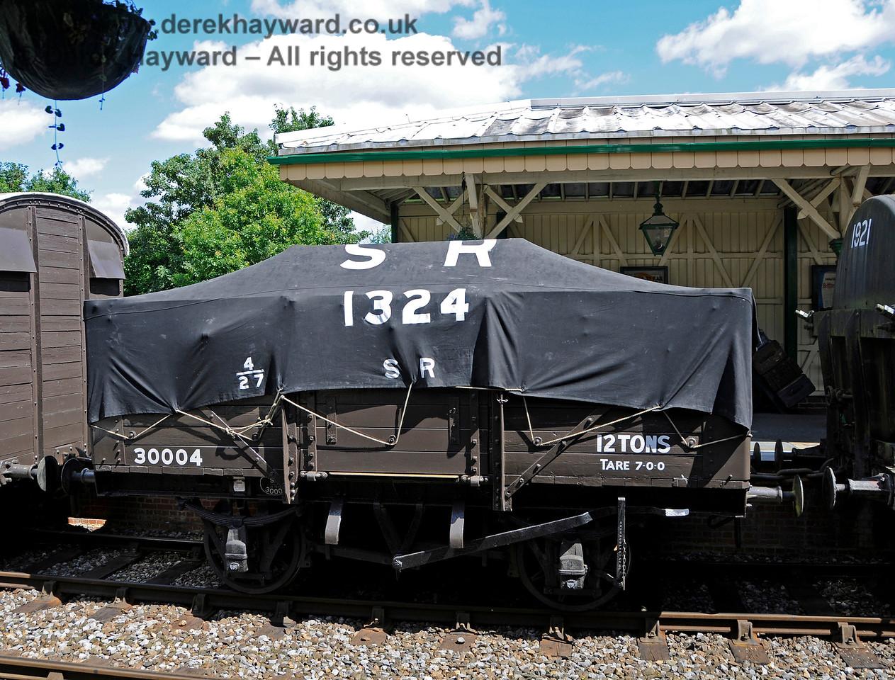 30004 KC 060816 15888 E