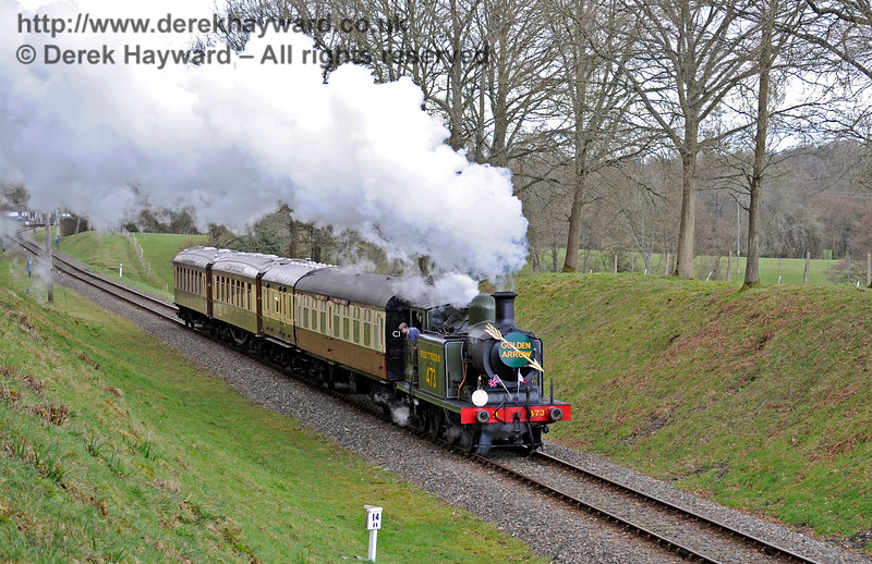 B473 steams south through Mill Place cutting with the Pullman, supplemented by a coach from the Wealden Rambler.  28.02.2016  12685