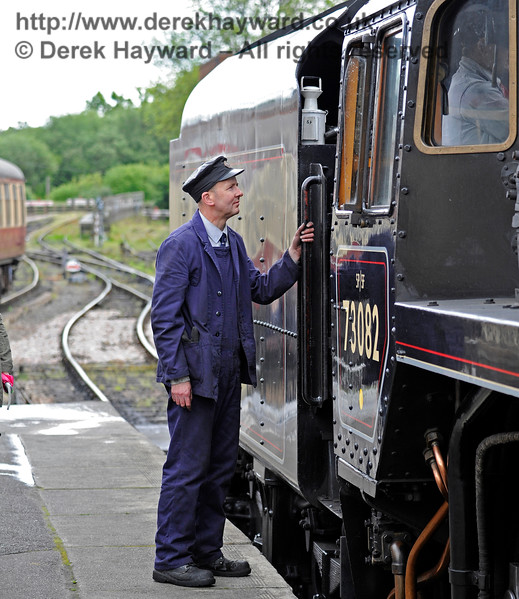 A crew member from 73082 at Sheffield Park.  20.05.2017 15344