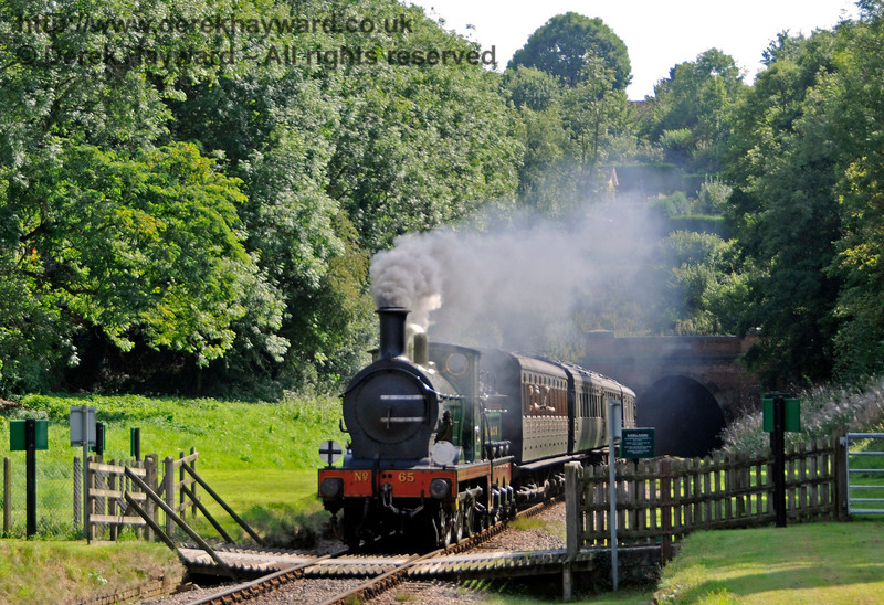 65 passes over West Hoathly Foot Crossing. 27.08.2017 17778