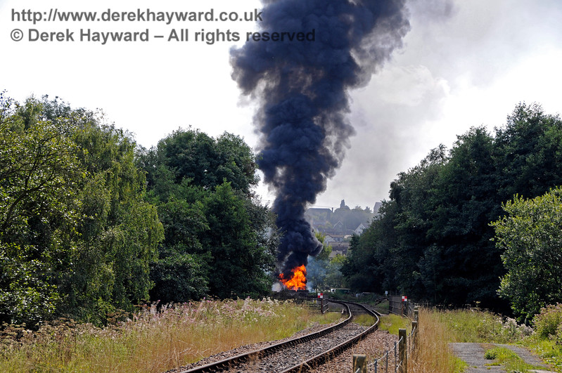Fire West Hoathly 14.11 Taken from New Coombe Bridge 27.08.2017 17763/1