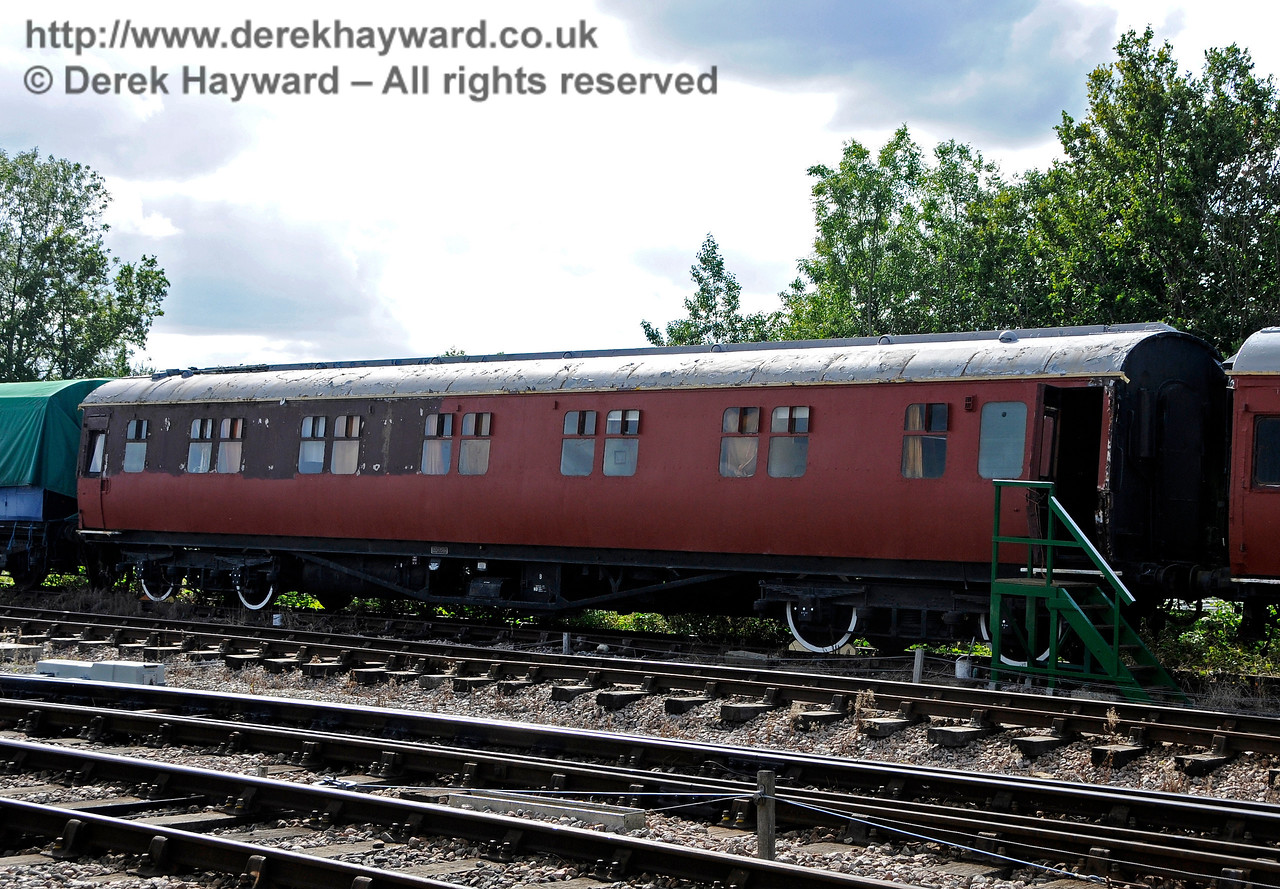 The luxury staff Sleeping Cars at Horsted Keynes are receiving a fresh coat of paint. 19.08.2017 17730
