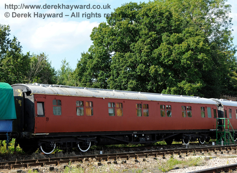 The painting of the staff Sleeping Cars at Horsted Keynes has now been completed. 27.08.2017 17799
