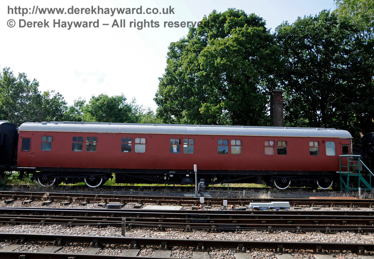 The luxury staff Sleeping Cars at Horsted Keynes are receiving a fresh coat of paint. 19.08.2017 17729