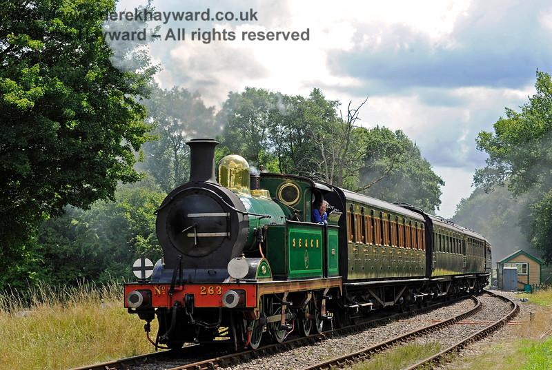 263 approaches Kingscote 06.08.2017 15856