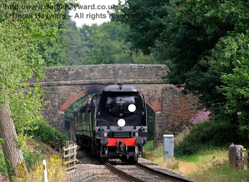 34092 passes under Birchstone Bridge. 15.07.2017 15816