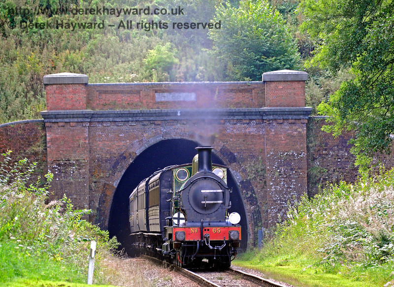 65 emerges from West Hoathly Tunnel. 27.08.2017 15987