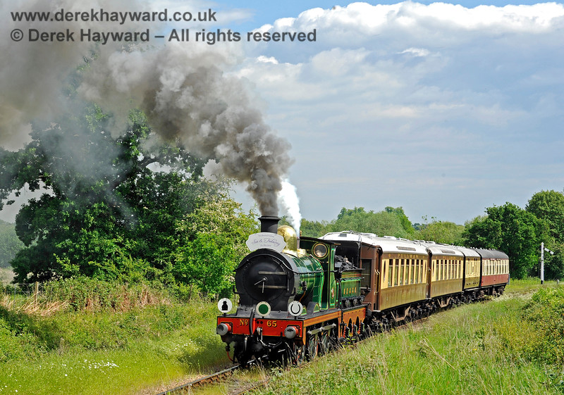 65 approaching Ketches Halt with a Wedding Special. 25.05.2019 16919