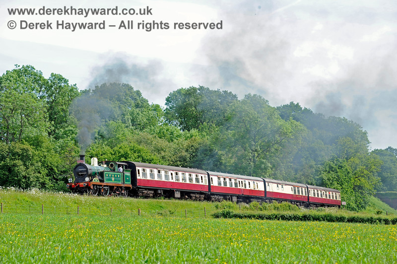 263 steams north from Three Arch Bridge with the Wealden Rambler. 01.06.2019 17008