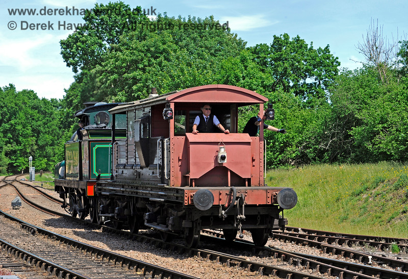 263 propelling the brake van towards the wagons, hand signals being given by the Shunter on the right.  For this move Fraser transformed himself from Kingscote platform staff to a Guard.  It's all go at Kingscote.   01.06.2019 16946